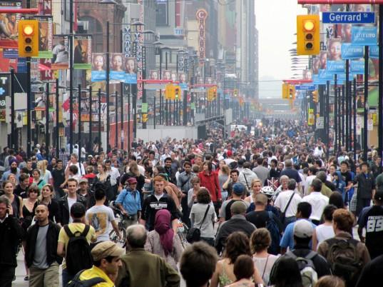 Large-Crowd-537x402